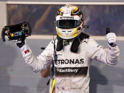 2014 Chinese Grand Prix - Qualifying Report: Hamilton shines in the Wet, Raikkonen and Button struggle