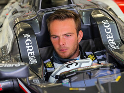Manor could change livery to accomodate Van der Garde
