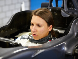 Supercars keen on Simona de Silvestro