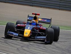 """Ricciardo: """"Vroeg debuut goed voor Sainz Jr."""""""