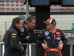 Red Bull doet ultieme poging en biedt Verstappen Formule 1-stoeltje voor 2015