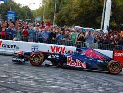 Ook deze coureurs crashten ooit tijdens een demo-run met F1-auto