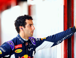 Ricciardo hesitant about new deal with Red Bull