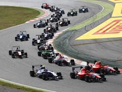 Leclerc wint openingsrace, De Vries pakt punten