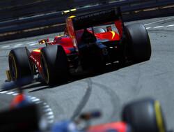 Rossi wint sprintrace op Spa, Vandoorne riant aan de leiding