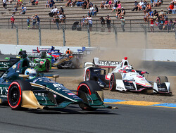 Indycar presenteert nieuw logo