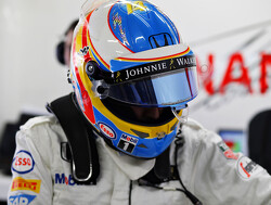 Fernando Alonso hanteert vertrouwd helmdesign bij comeback