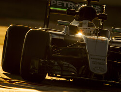 Lewis Hamilton continues to lead in Abu Dhabi
