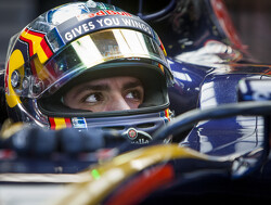 Podium target 'not easy' for Toro Rosso - Sainz