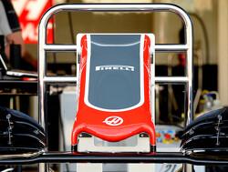 Falende voorvleugels Haas F1 door productiefout