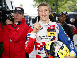 Barnicoat makes single-seater return, replaces Ahmed at Carlin