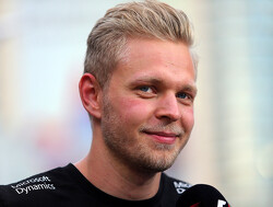 Kevin Magnussen still in line for Renault seat but team undecided
