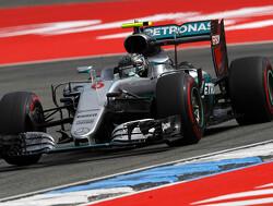 Nico Rosberg start op pole, Max Verstappen vierde