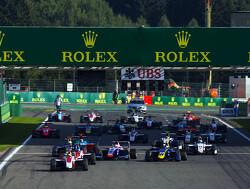 Leclerc op pole in spannende kwalificatie, De Vries negende