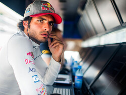 Sainz plays down latest Renault transfer rumours