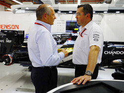"Ron Dennis departure ""healthy"" for McLaren - Kevin Magnussen"