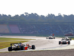 Joel Eriksson pakt winst in tweede race Silverstone