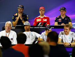 Verstappen in Abu Dhabi in FIA-persconferentie