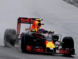 Verstappen derde op lijst met beste regenrijders ooit in Formule 1