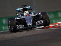 """Almost impossible"" for Mercedes signing to beat Lewis Hamilton"