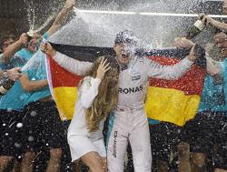 Rosberg legt gebrek aan alternatieven bloot