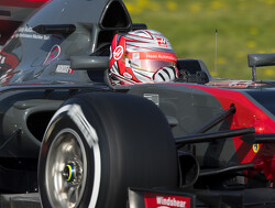 Magnussen not going out of his way to befriend Button