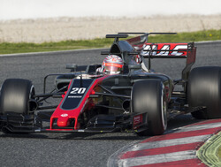 Magnussen encouraged by easier communication