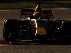 """Mark Webber: """"Hamilton, Vettel, Ricciardo en Verstappen strijden om titel"""""""