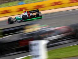 Isaakyan zegeviert in tweede race, Celis Jr. nieuwe leider kampioenschap