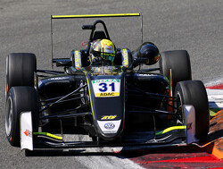 Hattrick pole positions voor Lando Norris op Spa