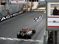 Leclerc pakt zege in chaotische race, De Vries tweede