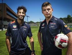 """Brundle: """"Ontwikkeling van Verstappen is hard aangekomen bij Ricciardo"""""""