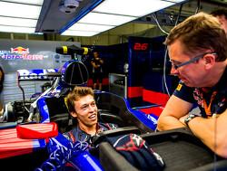 "Ricciardo: ""Year off could be good for Kvyat"""