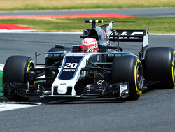 Haas once again alters its livery