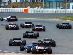 Fittipaldi nieuwe leider kampioenschap na zege in eerste race