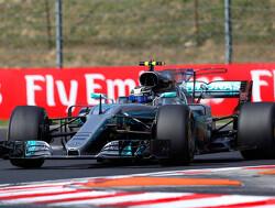VT1: Bottas de snelste, ingekorte sessie Verstappen