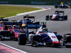 Alesi wint sprintrace, Russell doet wederom goede zaken kampioenschap