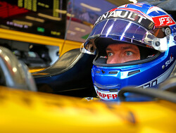 Palmer turns down offer to give up Renault seat