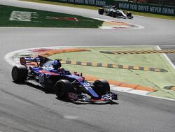'Sainz vanaf Maleisië in de Renault, Gasly debuteert bij Toro Rosso'
