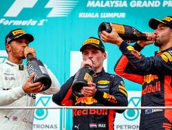 Lewis Hamilton wint Grand Prix van Japan, Max Verstappen tweede