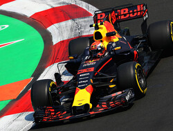 VT3: Max Verstappen snelste in nieuw baanrecord, Hamilton tweede tijd