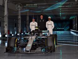 """Jolyon Palmer: """"Hamilton ziet Bottas graag aanblijven als teamgenoot"""""""