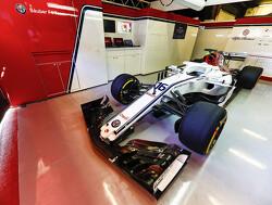 Sauber presenteert auto op de eerste testdag 18 februari