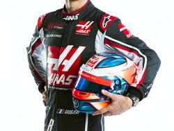 <b>Foto</b>: Grosjean hint met nieuw helmontwerp op nieuwe persoonlijke sponsor