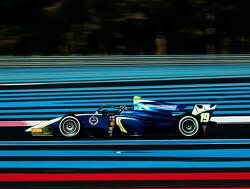 Lando Norris wint openingsrace Formule 1-seizoen, De Vries zesde