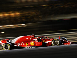 Sebastian Vettel op pole met Raikkönen naast hem, Verstappen crasht in Q1