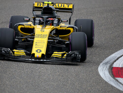 "Abiteboul admits Renault ""want to keep"" Sainz"