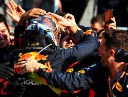 Daniel Ricciardo wint ondanks problemen Grand Prix van Monaco