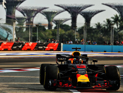 FP1: Ricciardo leads Red Bull 1-2 in Singapore
