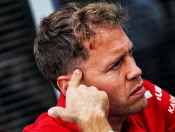VT1: Vettel bovenaan, Verstappen geeft weinig toe